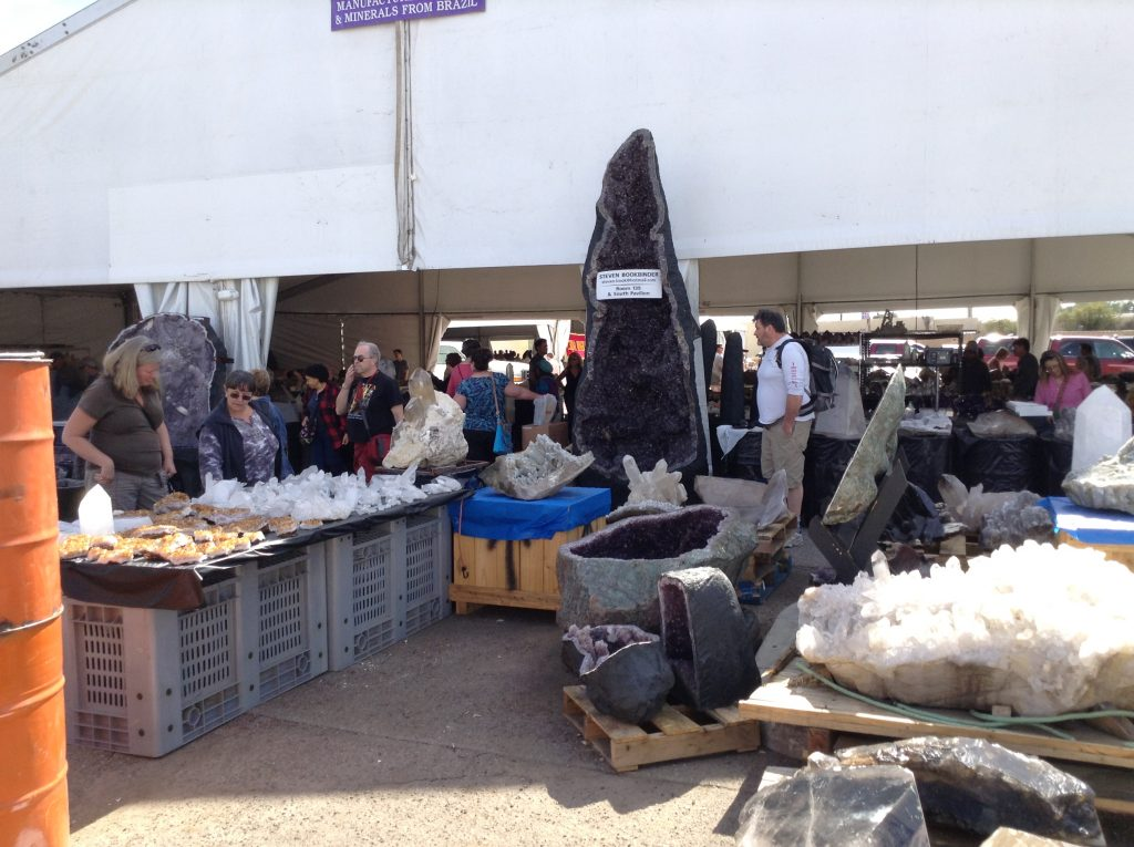 Read more about the article Tips For Attending The Tucson Gem Show
